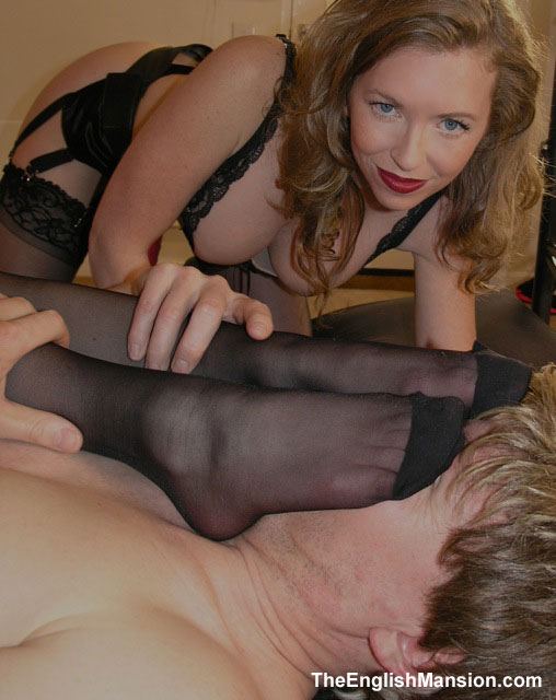 I make a slave sniff her pantyhose encased foot!