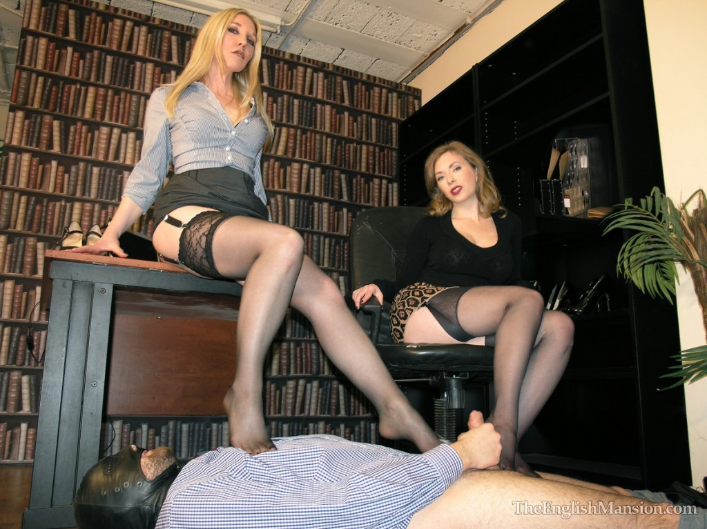 office-shoe-fetish-worship-cum--09