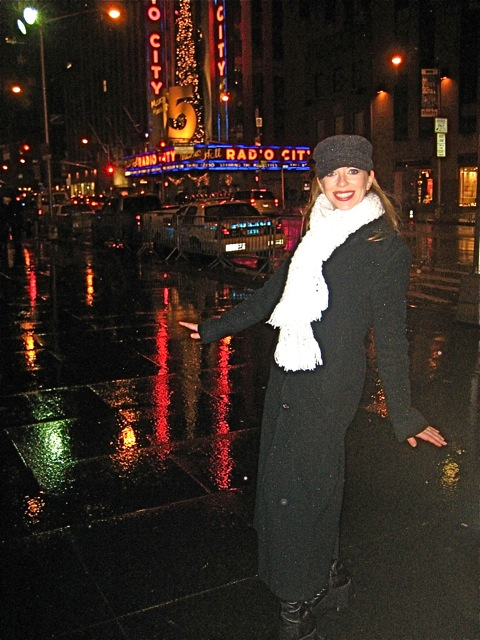 Me in NY in 2007! I've been back several times since but I didn't get any typical touristy photo's.