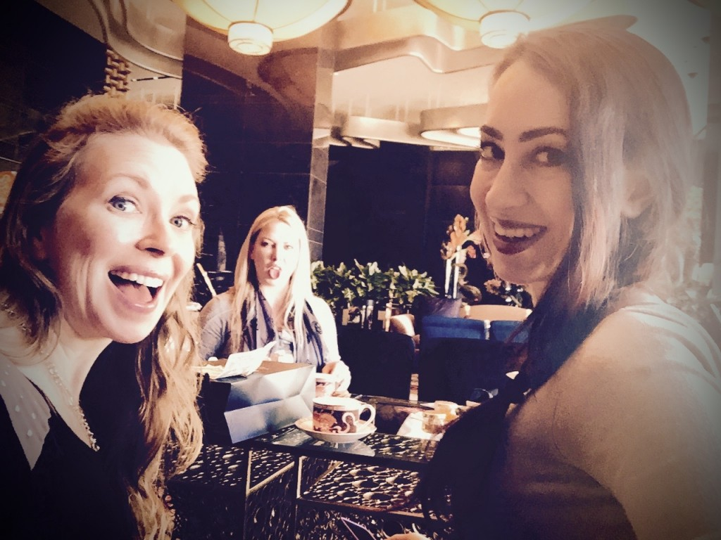 Went for tea with Lexi Sindel & Mina Thorne in Vegas!